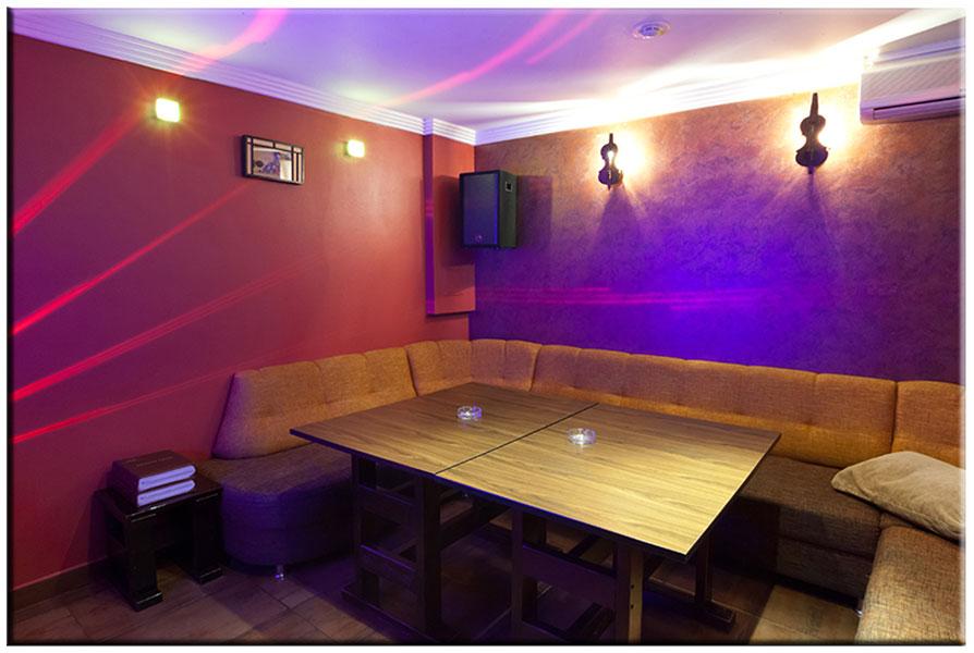 Недорогие караоке клубы москвы с кабинками смотреть стрептиз в ночных клубах онлайн бесплатно